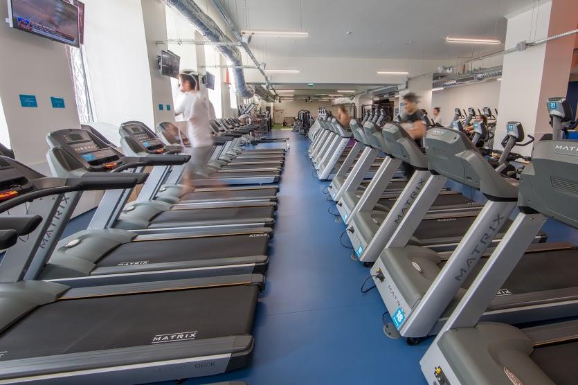 Fitness Hut - Alexandre Herculano interior